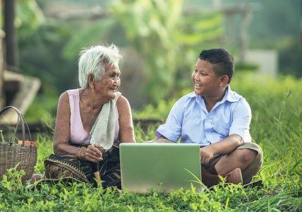 Интернет для пожилых: бабушки в Интернете