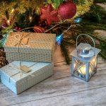 Что стоит подарить в новогодний вечер родителям?