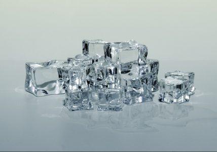 Косметический лед — как вариант средства ухода за кожей